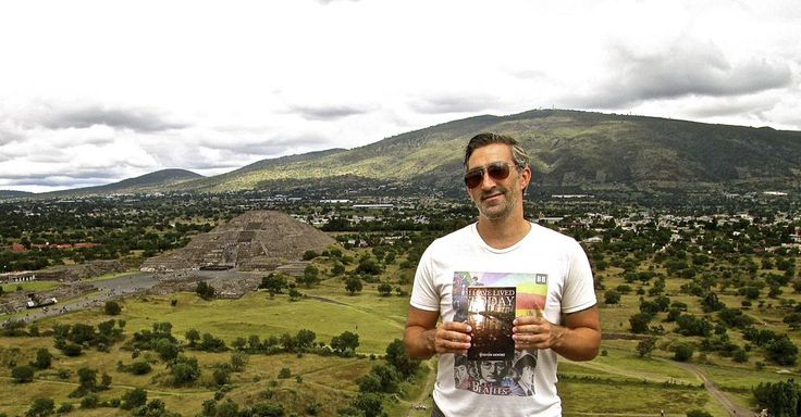 Day 23: It's me!!! #StevenMooreAuthor's #WorldBookTour at #Teotihuacan #Mexico   Learn more here: http://amzn.to/1MqAnTC