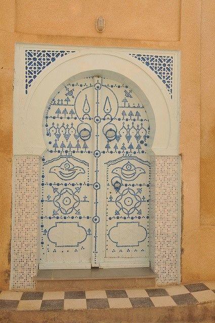 Tunisian door <3