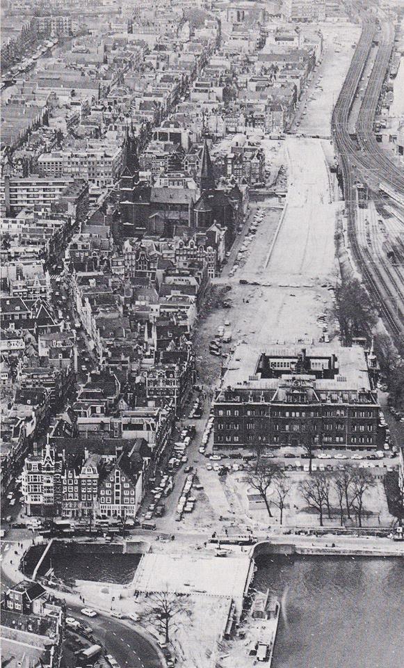 Amsterdam, de Haarlemmerhouttuinen, de doorbraak bij de Korte Prinsengracht 1972