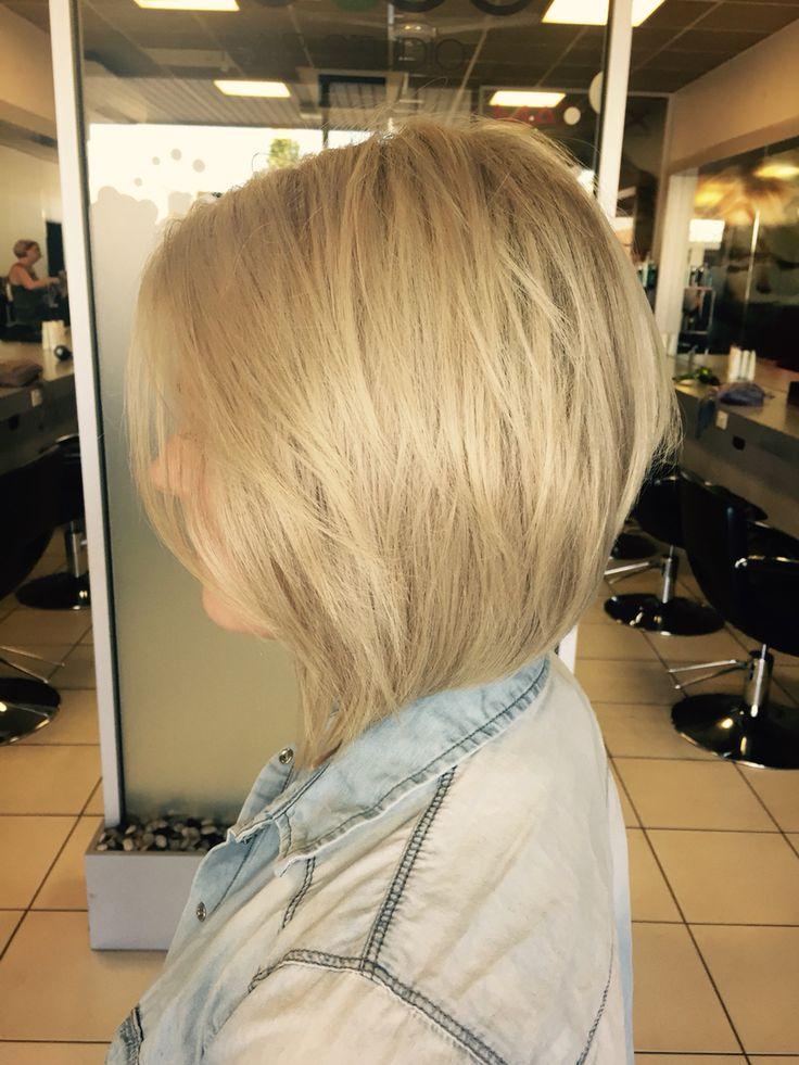 Blonde concave bob