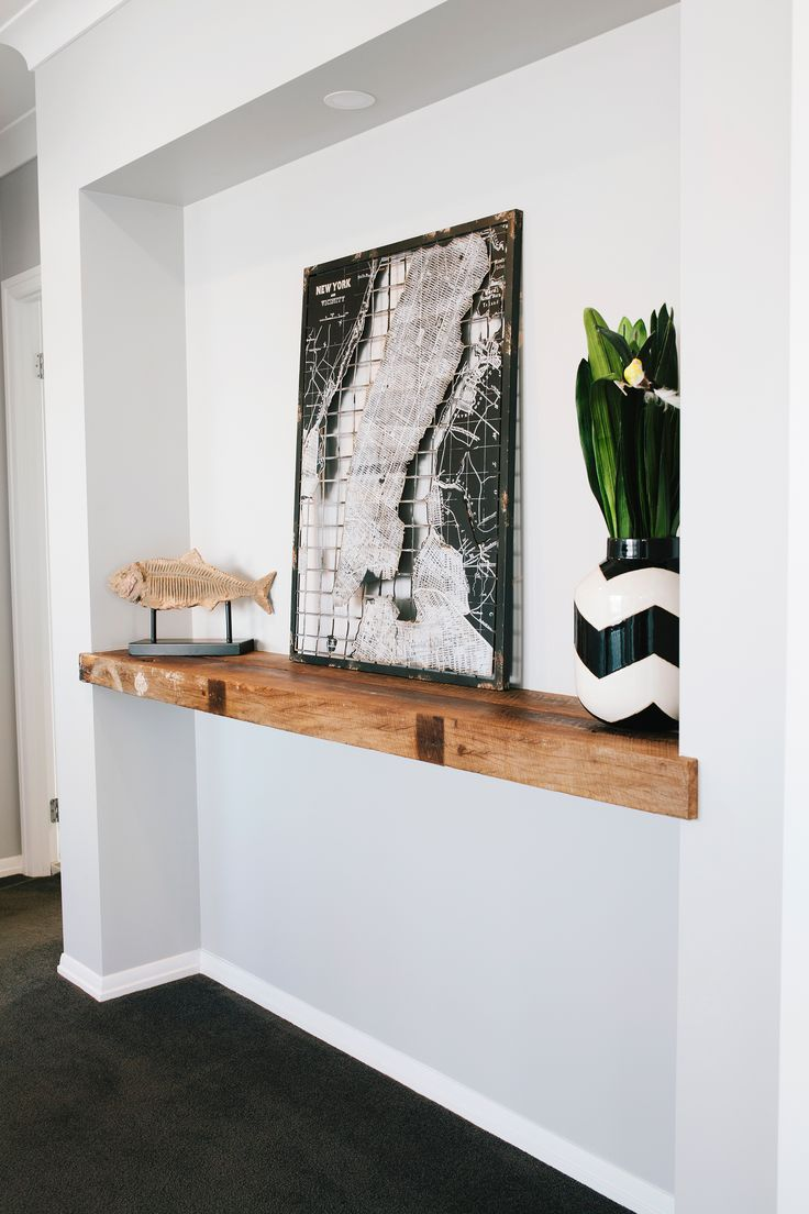 Recycled timber shelf from classic-style new build in Brisbane. Photography: Josette Van Zutphen | Story: homes+