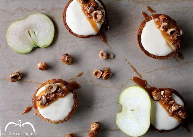 La Zucca candita: Tartellette di mele con salsa al caramello e nocci...
