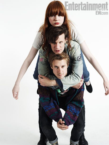 Karen Gillan, Matt Smith, and Arthur Darvill.  Just chillin'.  (Many have said that Rory has been carrying the other two all along...)  XD