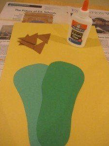This week, the fours class focused on the letter 'D'. The children explored dinosaurs as part of the letter 'D' experience. To make dinosaur feet, the children started off by tracing and cutting out the shape of their own feet from a sheet of green construction paper… Next, the children glued their foot-shapes to a …