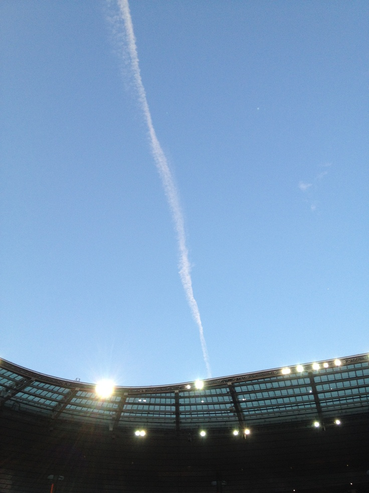 Lovely sky over Stade de France when they said it would rain all night. It didn't. Thank you.