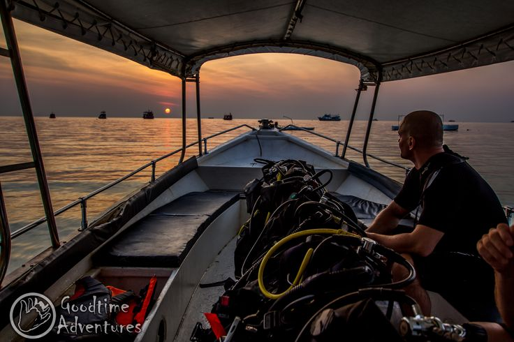 Off to go night diving, what a beautiful sunset!