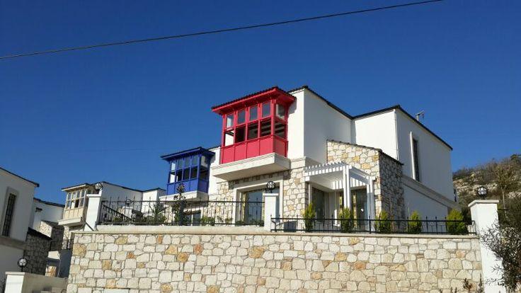 Alavista Alaçatı Evleri özgün Alaçatı mimarisinin tipik bir örneği olarak tasarlandı.   #alacatialavista #alacati #alavista #cesme #turkiye #turkey #house #home #tatil #holiday #huzur