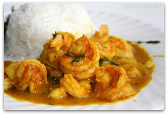 Jamaican Curry Shrimp  Ingredients    2 lbs Fresh Shrimp    2 tablespoons vegetable oil    2 Medium Onions, sliced    1/4 of a scotch bonnet pepper, finely chopped up    2 cloves garlic, chopped    1/2 sweet pepper, sliced    2 tablespoons Curry Powder    1 Tomato, chopped    Fresh Thyme    1/4 teaspoon salt    black pepper    1 1/2 cups water