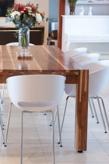 The unmistakable wood tones of kiaat and the clean lines of our Omusha table - no wonder it's still our best seller !!