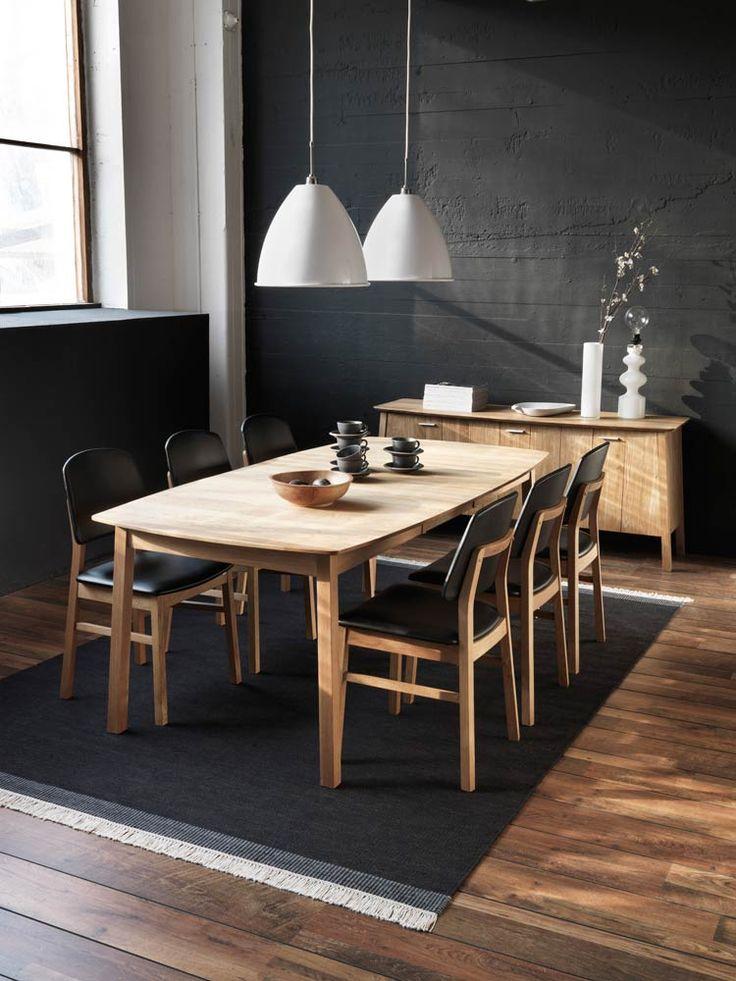 Hans K:n puinen ja ajattoman kaunis Verona-ruokapöytä.  Verona wooden dining table by Hans K #kruunukaluste #ainain #homedeco #scandinavianhomes #interior #inspiration #interiordesign #homeinspiration #sisustus #sisustusinspiraatio #sisustusidea #dining