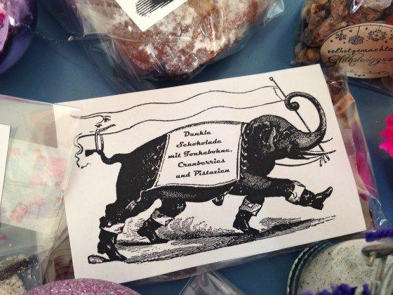 Handmade Schokolade mit Pistazien und Cranberries http://checkoutwonderland.com/2013/12/17/pamk-teil-iv-handmade-schokolade/?relatedposts_exclude=1045