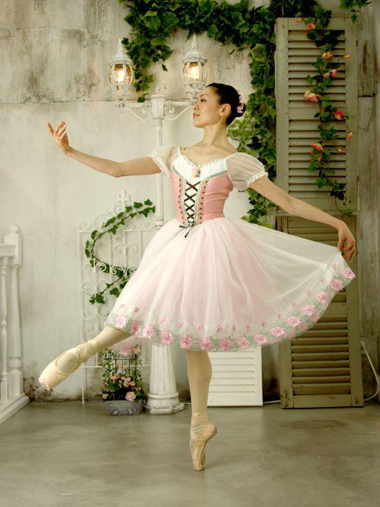 http://balletcostume.net/img/p008.jpg
