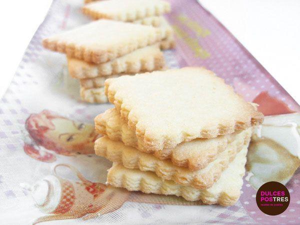 Receta casera de galletas de masa sablée, ideal para tomar con té o café. En Dulcespostres os traemos las mejores recetas caseras para elaborar galletas.