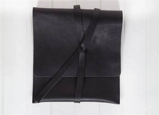 Belmore Bootmakers | Made in Australia. Leather case- Black