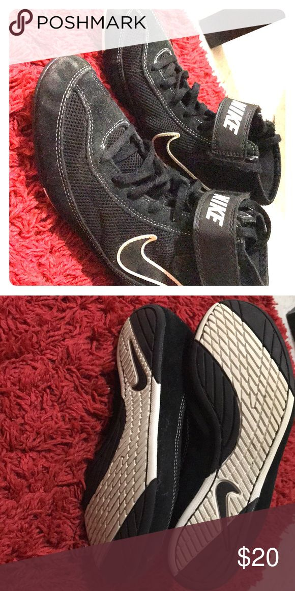 Nike wrestling shoes 🏋️‍♀️🤼‍♀️ In ok condition Nike Shoes Athletic Shoes