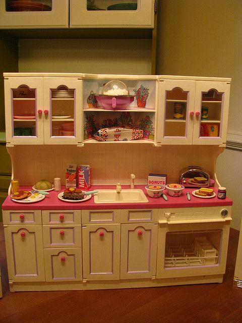 best barbie toys ever--kitchen littles!