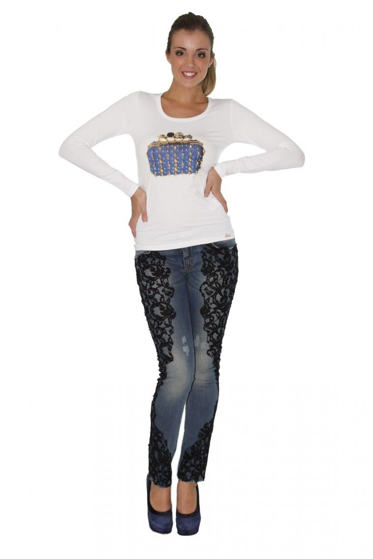 EAN 13- www.assuntasimeone.com  T-SHIRT BIANCA STAMPA BORSA GIOIELLO EAN 13  94% Cotone 6% Elastan Made in italy  spedizione gratuita assicurazione gratuita reso gratuito  CLICCA SUL LINK PER ACQUISTARE IL PRODOTTO: http://www.assuntasimeone.com/it/shop/nuove-collezioni-inverno-t-shirt/2785/t-shirt-bianca-stampa-borsa-gioiello-ean-13.html