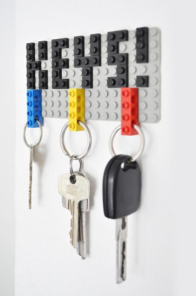 "Lego key holder via CraftBlog - what dad wouldn't like the chance to play with Lego's !even kept in the garage for ""his"" key keeper...key to the garage, tractor key, pad lock key, shed key, spare keys to everyones car ... when they call for h-e-l-p I locked my keys in the car dad !"