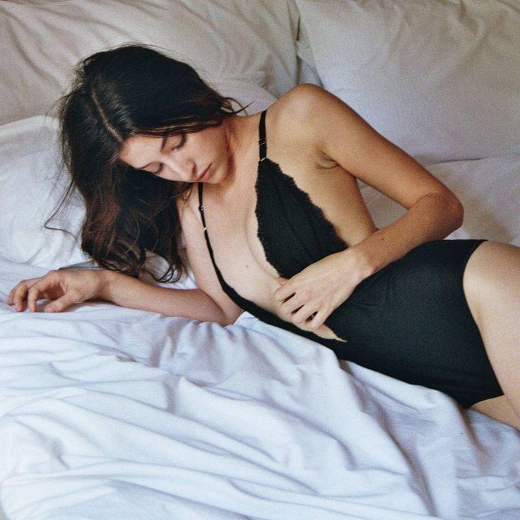 "262 Me gusta, 9 comentarios - L A   P E T I T E    M O R T (@la_petite_mort_lingerie) en Instagram: ""Bodysuit Aurora ☝️❤️ #body #favorite #weloveblack  Mañana #openshowroom de 10:30 a 19:30 Hrs en…"""