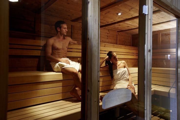 Wellnesshotel in Österreich | 1200 m² Wellnessbereich und exklusiv für Erwachsene der Saunabereich mit XXL Whirlpool | Wellnessurlaub im Alpendorf Hotel Sonnhof