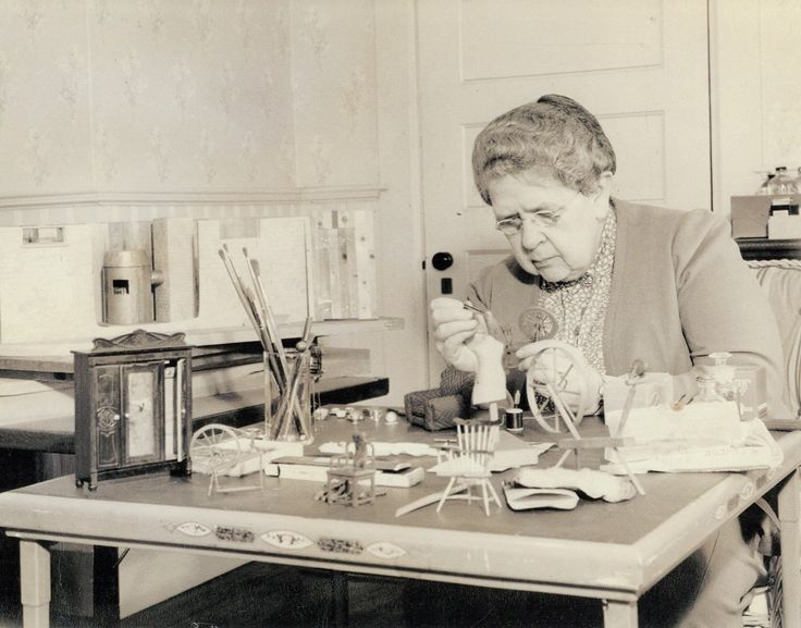 Frances Glessner Lee was an heiress, a genteel hostess ... and the forensics visionary who created death scenes in miniature to train homicide detectives.