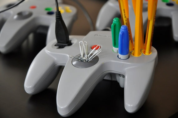 Recycled N64 controller made usefull as a desktop caddy