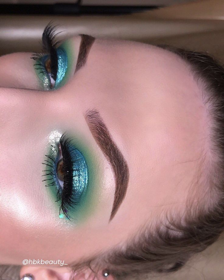 Best 25+ Mermaid eyes ideas on Pinterest : Mermaid eye ...