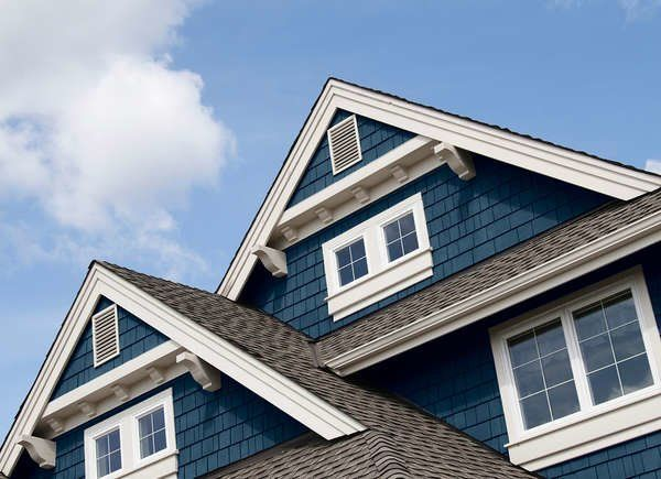 These Classic Vinyl Siding Colors Deliver Curb Appeal For Years In 2020 Vinyl Siding Colors Siding Colors Siding Colors For Houses