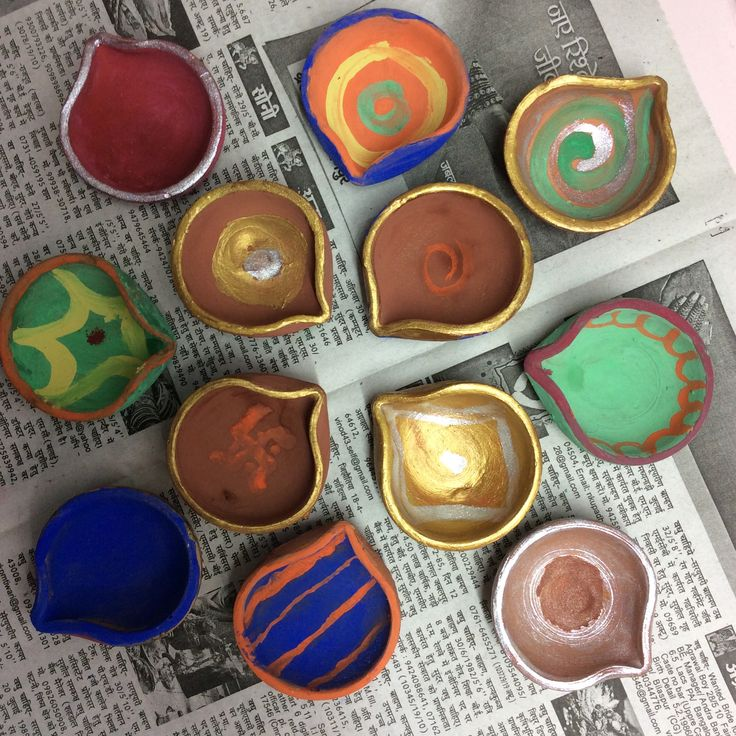 Painted Diyas at home