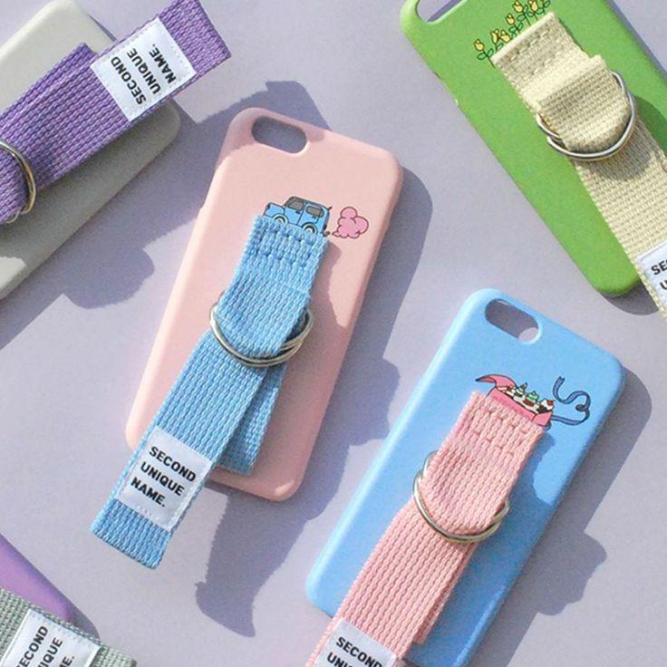 韓国のおしゃれ女子に人気の「young boyz」から発売されているベルト付きiPhoneケース「SUN」が今話題!魅力をたっぷりご紹介します。