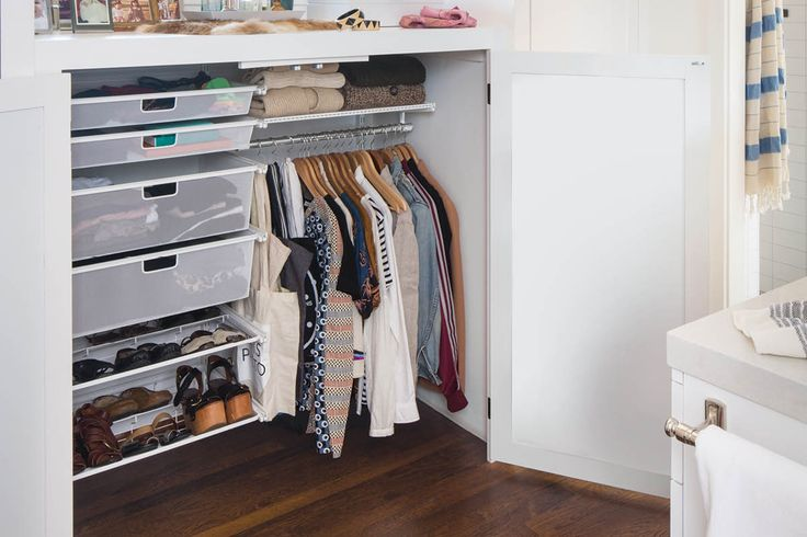 Container Stories: 10 Small Space Shelving Solutions That Maximize Your Storage Potential
