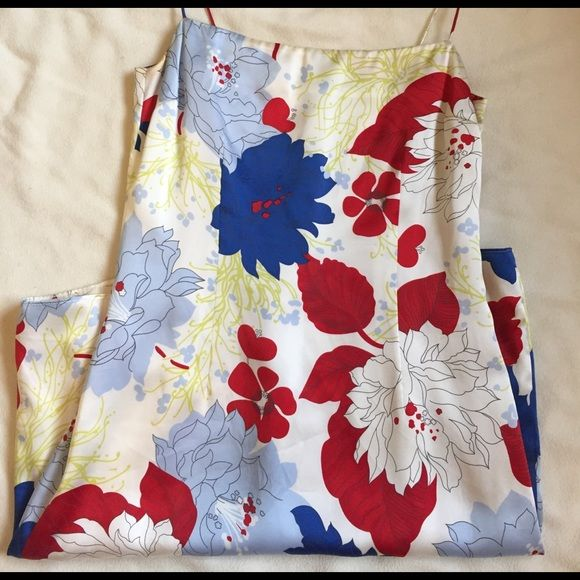 Silk Floral sheath dress, Tommy Hilfiger size 2 Very pretty EUC, 100% silk dress from Tommy Hilfiger. Worn once for student orientation a few years ago. Have always loved it, will never fit in again. Very flattering shape. Tommy Hilfiger Dresses Mini