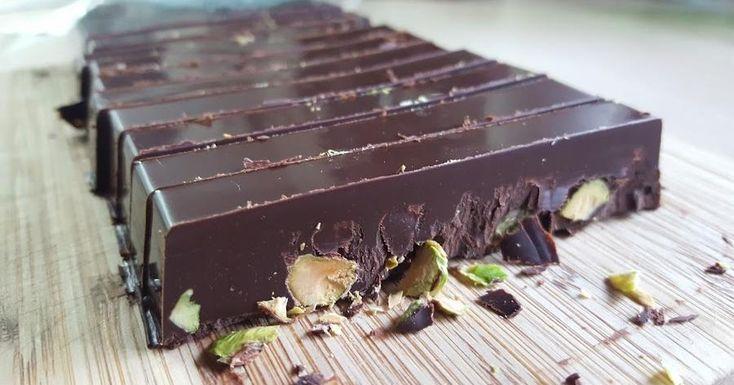 Turrón de chocolate negro y pistachos