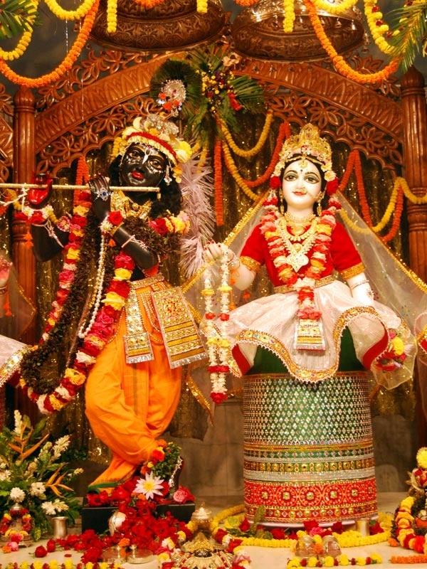 Radha Madhava from Mayapur in manipuri style, West Bengal.