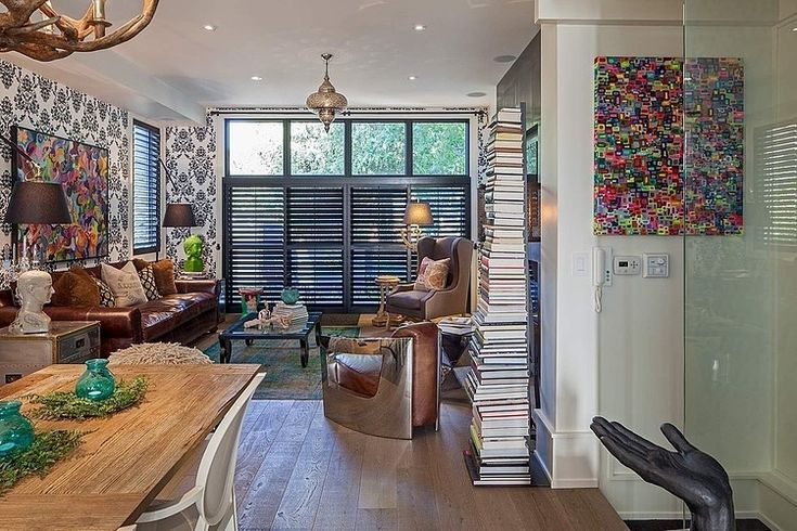 1095 Royal York Residence by R. H. Carter Architects Ignore decor; look at shutters: wonder if they fold back?