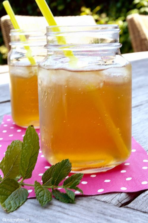 Groene ijsthee met munt - Iced green tea with honey and mint -LoveMyFood