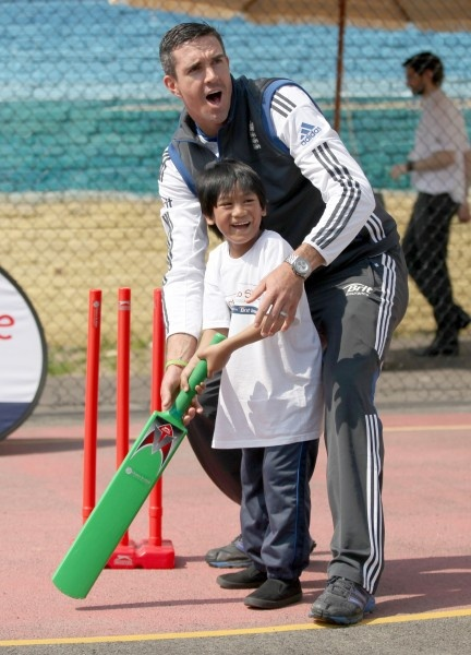 Life's a beach for Lottie, KP and King Viv as Lambeth school.  Charlotte Edwards, Kevin Pietersen and Sir Vivian Richards helped celebrate Chance to Shine's 'Brit Insurance National Cricket Day' at Johanna Primary School; a cricket ball's throw away from Waterloo station.