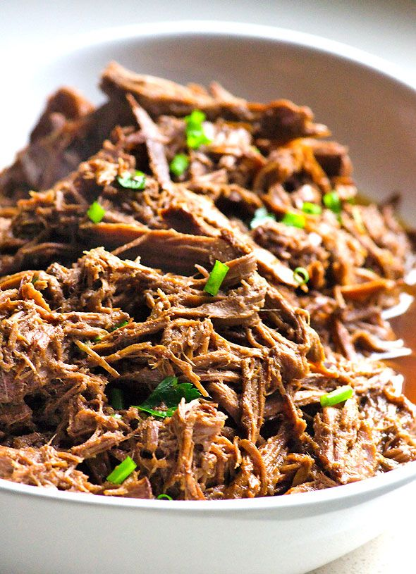 Slow Cooker Balsamic Pot Roast - Clean eating version without the packaged mix and only 5 min prep. Juicy, flavourful and delicious!