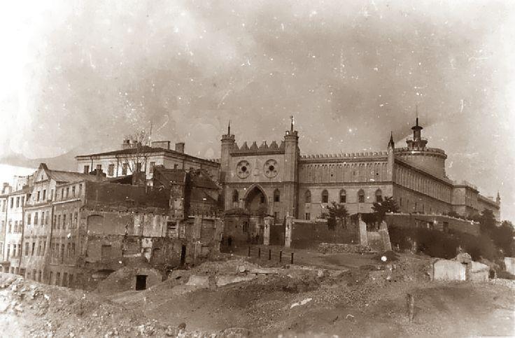 """zdjęcie jest z okresu wyburzania dzielnicy """"Pod Zamkiem"""" 1942-1943"""