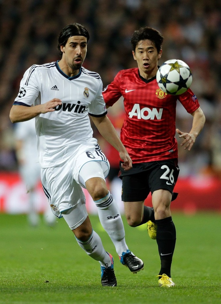 Shinji Kagawa(Manchester United) and Sami Khedira(Real Madrid) @2013.02.13, CL Round16 1st reg