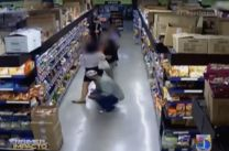 Captado En Video Como Hombre Toma Fotos Bajo Las Faldas De Mujeres #Video