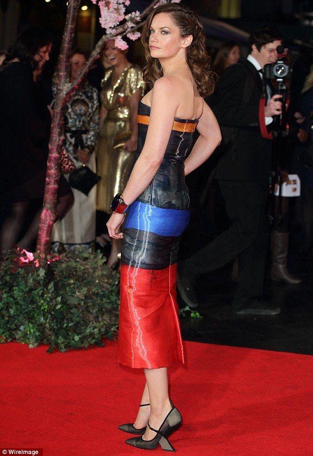 mr luther d wilson Ruth wilson (ashford, 13 de janeiro de 1982), é uma atriz inglesa É conhecida pelos seus papéis de alice morgan na série luther do bbc e de alison bailley em the.