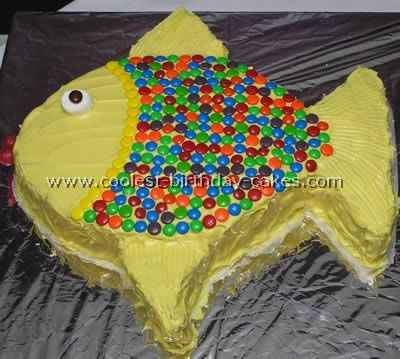 I like the use of candy to decorate this cake @Laura Bennett.
