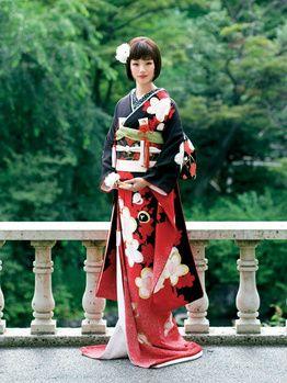 Black, red, and white kimono