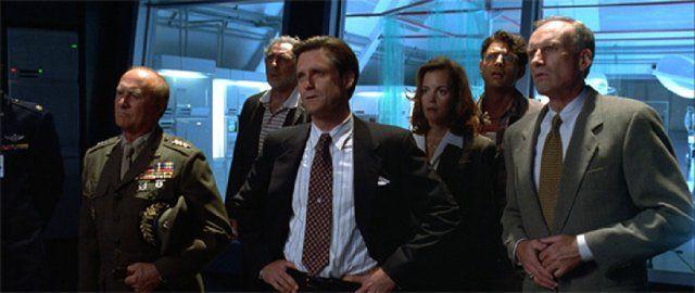 Jeff Goldblum, Bill Pullman, Judd Hirsch, Robert Loggia, Margaret Colin, and James Rebhorn in Independence Day (1996)