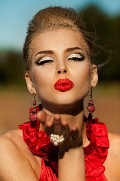 Фотограф Юльчик Можайская In Red Photoshoot В красном