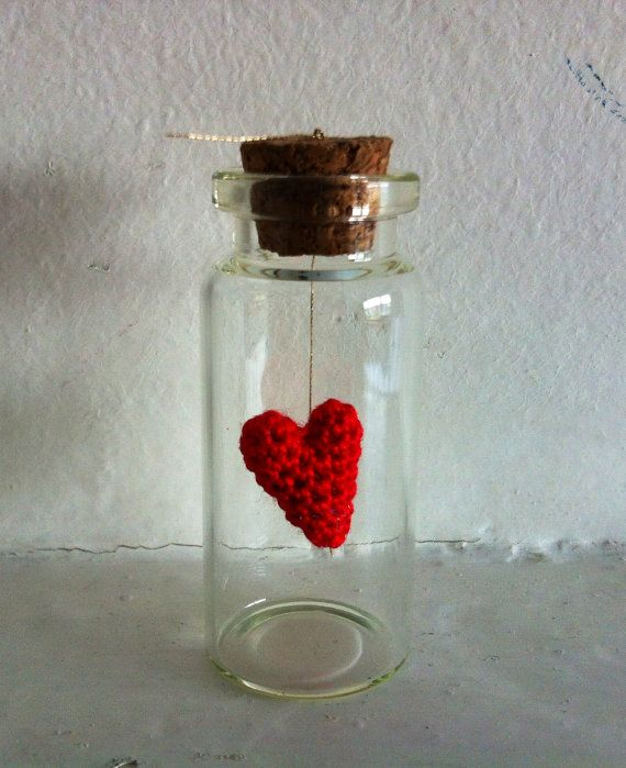 Message in a bottle, crochet red heart on gold thread , custom gift, Love on Etsy, 15,00 €
