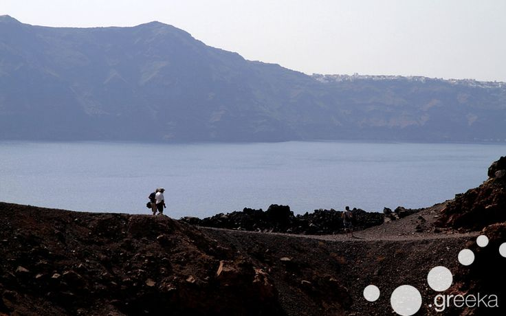 Santorini tours: boat tour to volcano and hot springs