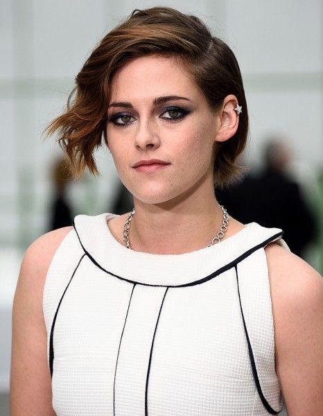 Kristen Stewart n'est pas une actrice qui aime aller vers la simplicité. http://www.elle.fr/People/La-vie-des-people/News/Kristen-Stewart-confie-aimer-se-faire-souffrir-2916452