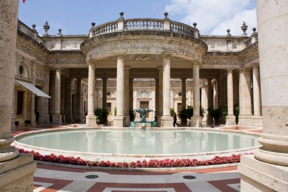 Bathing in thermal waters, with history all around!